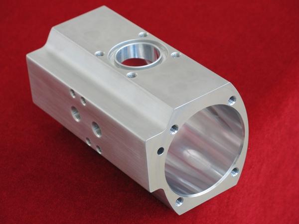江苏恒驰生产方管及圆管铝型材