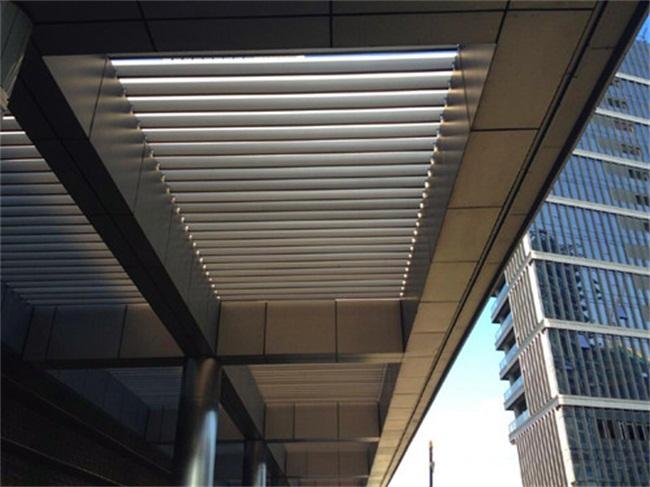 谈谈商场木纹铝方通天花吊顶通风效果