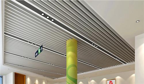 地下通道木纹铝方通吊顶-条扣铝方通格栅