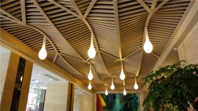 转印木纹铝方通厂家,u型铝格栅天花价格