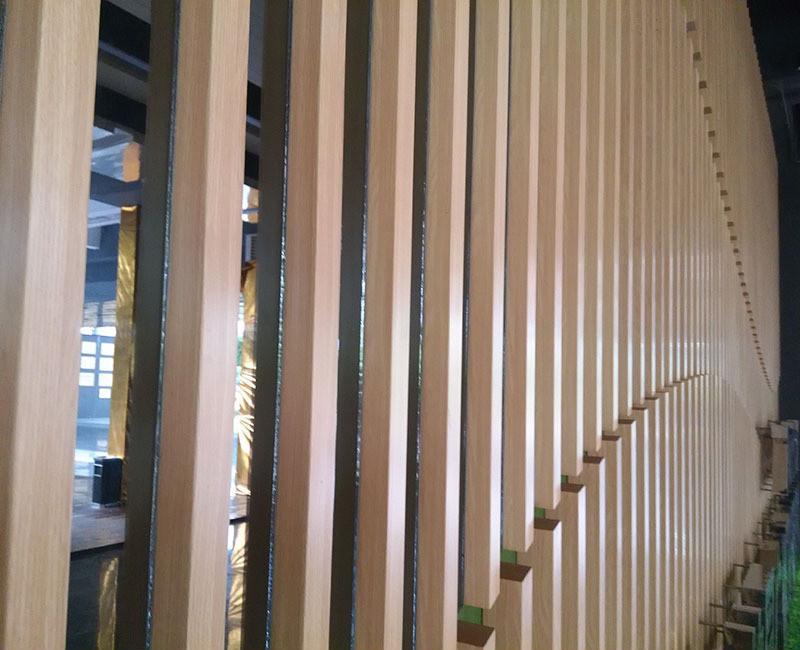 木纹方格铝天花,餐厅室内铝格栅