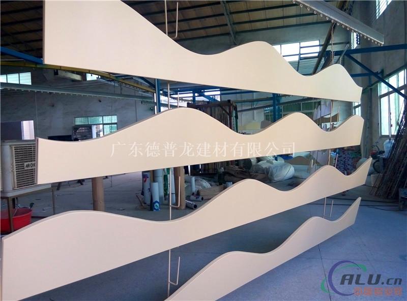 弧形木纹铝方通厂家 厂家定做弧形铝方通