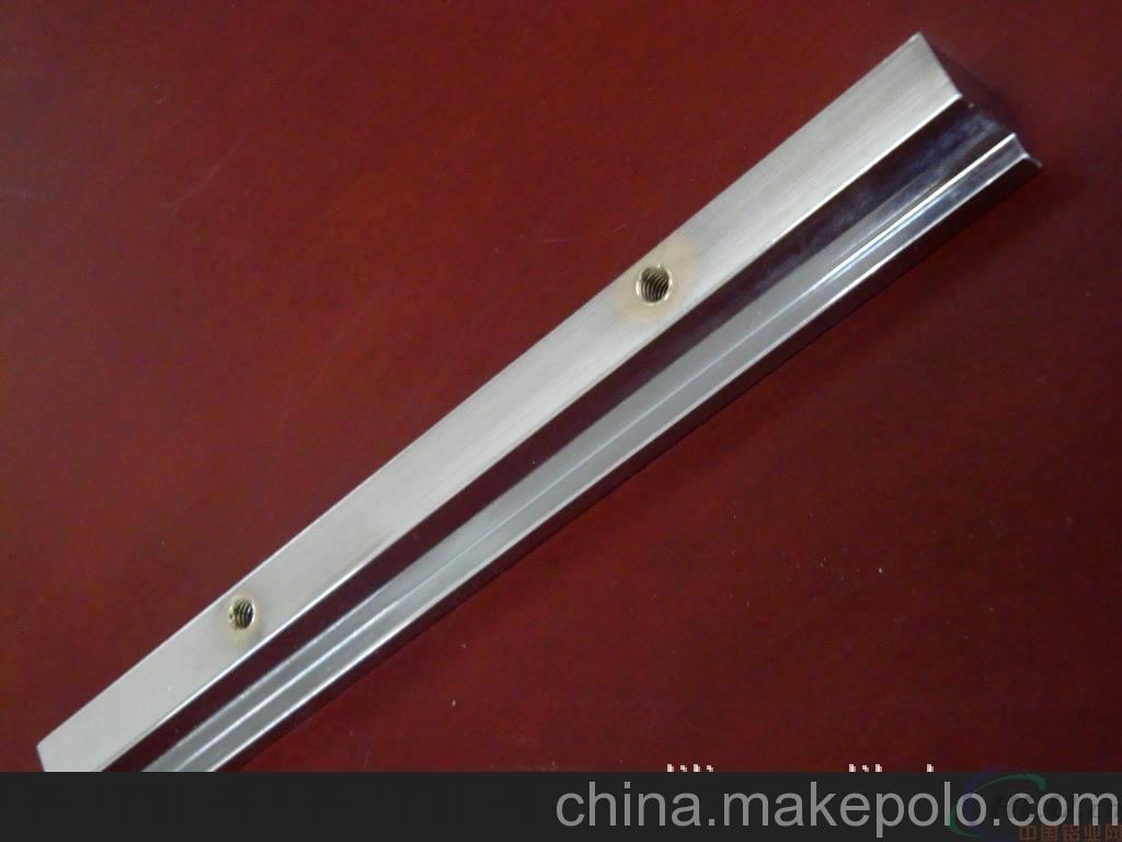 精加工专业生产冷却室拉手铝型材