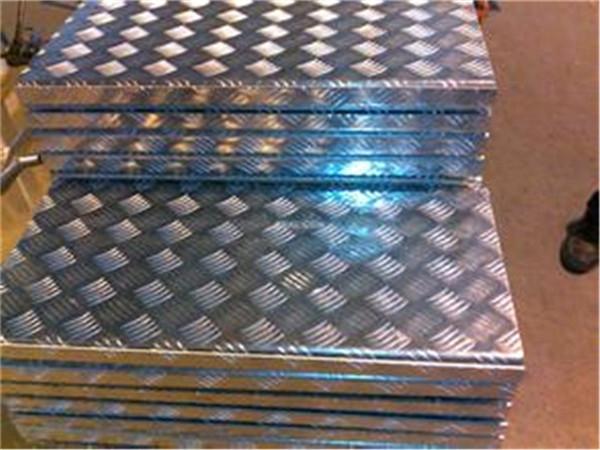 进口1060铝板生产厂家 1060铝卷定尺裁剪