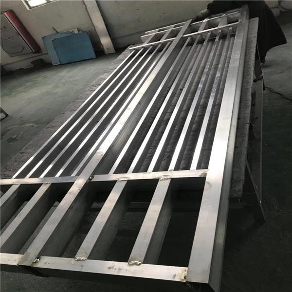 全国供应铝合金型材-木纹铝窗花铝花格定制