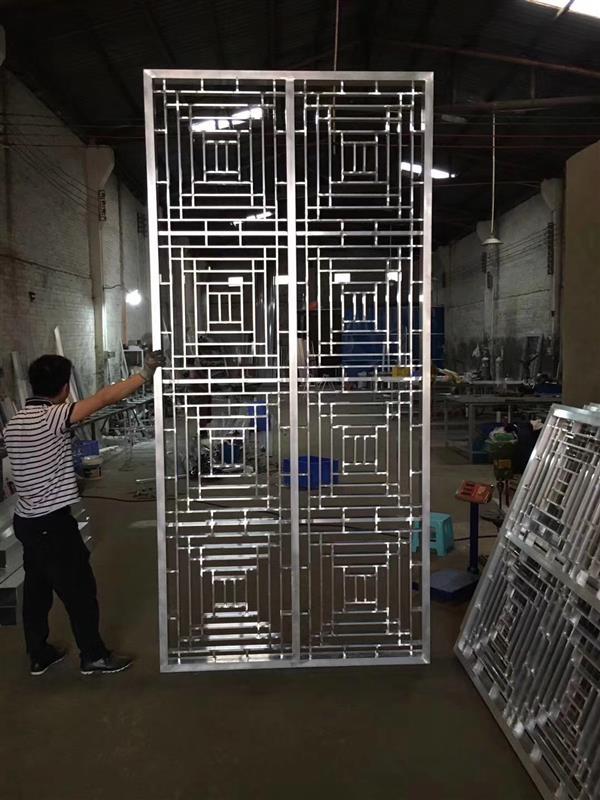 碧桂员室内木纹铝窗花-铝花格订做全国