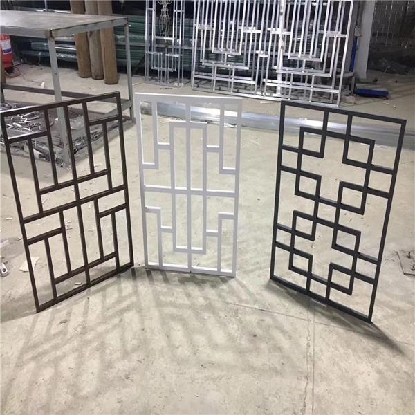 商店商场木纹铝窗花-复古铝花格制作