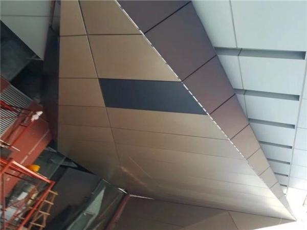 酒店铝单板幕墙尺寸怎么测量的