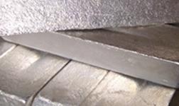 中国西部较大的镁铝合金压铸机生产线在万盛正式投产