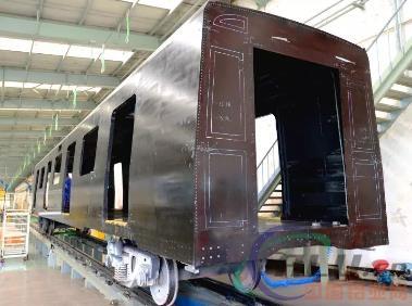 交通工具正遭遇颠覆!全球首创世界首辆全碳纤维复合材料地铁车体在中车研制成功