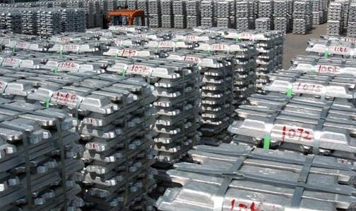 东兴铝业普通电解槽产出99.90%高纯铝
