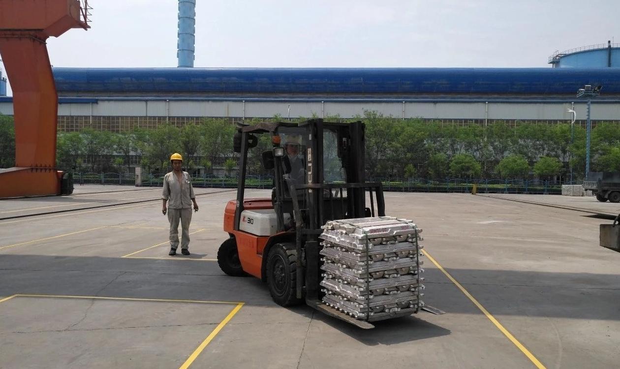 银湖铝合金公司:质量标准化成为技术比武的一个重要指标