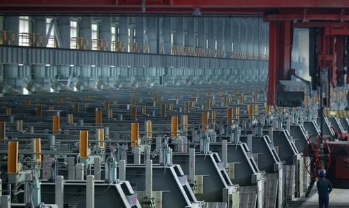 国内首套导杆激光打磨设备在旗能电铝铝业分公司研发成功