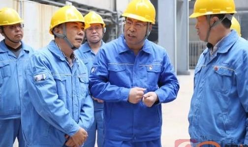 万基控股集团董事长李跃民深入现场督查督导环保改造项目