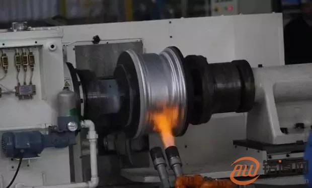 都是铝合金轮毂,为什么差别这么大呢?