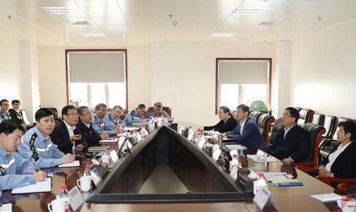 中铝集团党组副书记、副总经理敖宏一行到郑研院调研