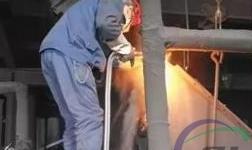 青铝炭素厂生产管理一部 安装除铁器 降低铁含量