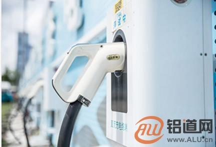 上半年新能源汽车销量增111.5%
