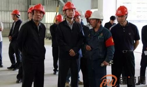 杨亚林:抢抓时间和机遇 确保水电铝项目稳步投产!