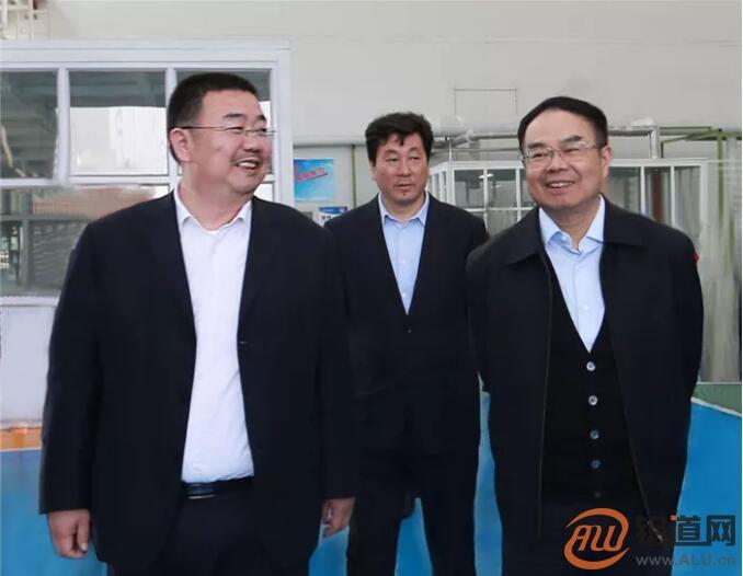"""崔立新:将""""小作坊""""打造成国内大型铝合金材料生产基地"""