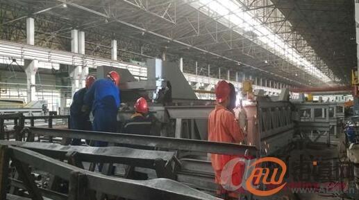 西北铝挤压厂管棒维护班保障生产抢修箱式退火炉