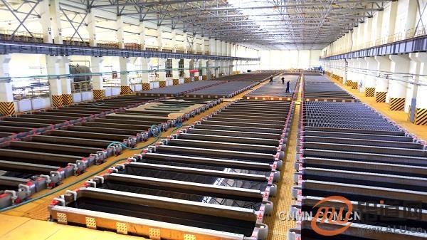 """""""青海造""""首槽阴极铜问世——青海铜业年产10万吨阴极铜项目建设投产纪实"""