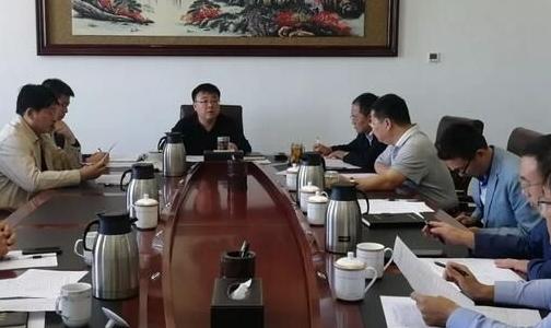 霍林郭勒市委副书记、政府市长玄东升主持召开微型电网建设和煤炭资源配置工作调度会议