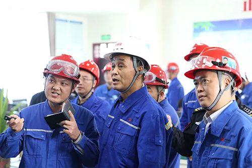 刘永行董事长视察东方希望渑池铝业:做正确事 创造企业相对优势