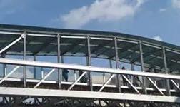 昆明市西昌路龙泉路两座铝合金人行天桥投用