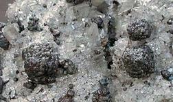 Trevali矿业公司报告创纪录的季度锌产量