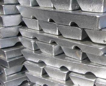 中国11月锌矿砂及其精矿进口量为354,094吨