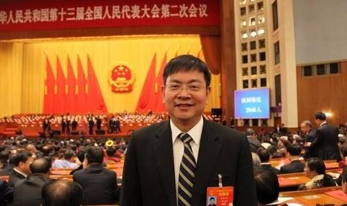 【两会访谈】张红伟代表:实现新能源汽车用电池铝箔中国造
