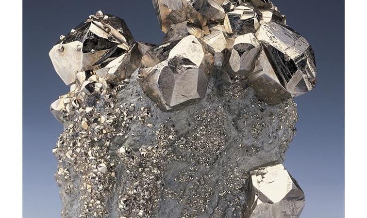 铁矿石价格飙至五年新高 钢企运营承压