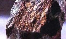 几内亚总统要求开采铝土矿超过1500万吨的外国矿企必须在几建设氧化铝厂