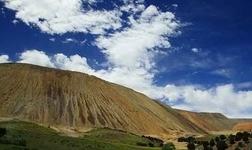 智利 Chuquicamata铜矿罢工第五天:罢工者与警方发生冲突