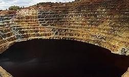 新晋全球*大铜矿首运铜精矿 第 一艘3.1万湿吨第二艘4.4万湿吨