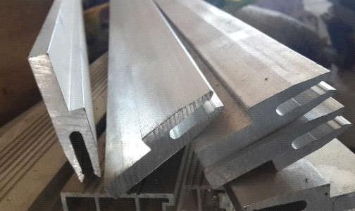 工業鋁型材表面光亮酸蝕前處理技術