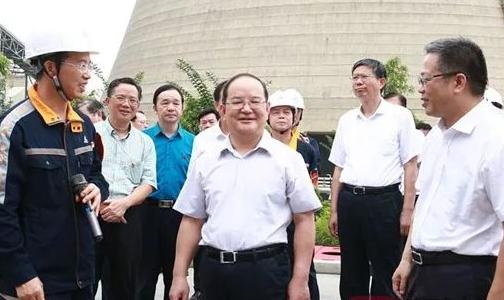 鹿心社率全区年中工作会议第 一组代表到广西华磊观摩