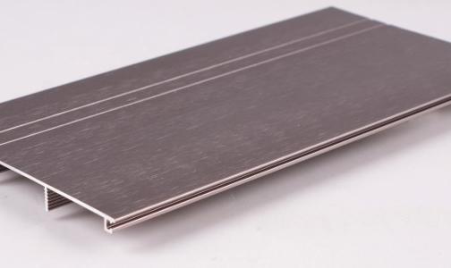 阜新太平区领导洽谈铝合金型材生产项目