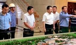 西南铝业(集团)有限责任公司党委书记、执行董事尹雪春到东轻公司交流访问
