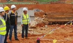 文山水电铝项目首颗预制柱顺利吊装