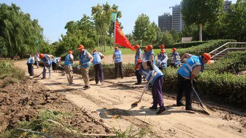 华建铝业集团积极参与台风灾后道路清淤