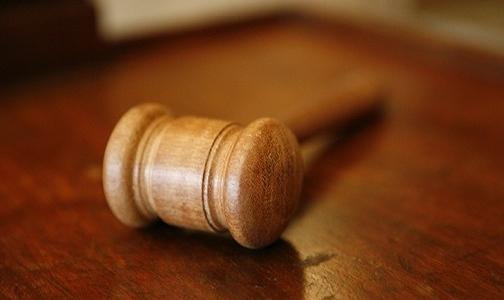 美国一家联邦上诉法院重新启动了铝采购商对高盛、摩根大通及矿产商嘉能可等公司的诉讼