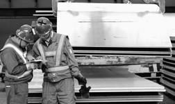 宏兴股份公司炼轧厂强化操作人员责任心和操作技能
