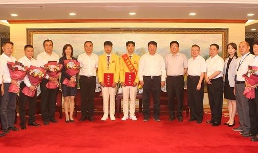 国文清接见第45届世界技能大赛中冶参赛团队