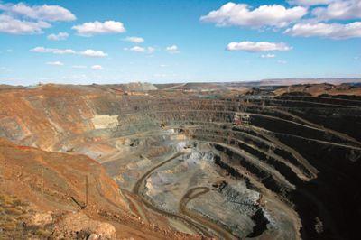 印尼能源和矿产资源官员称将加大采矿下游的投入