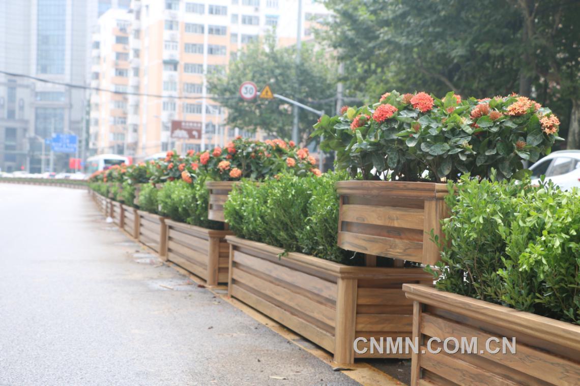 【扩大铝应用】铝合金花箱――城市的亮丽风景线