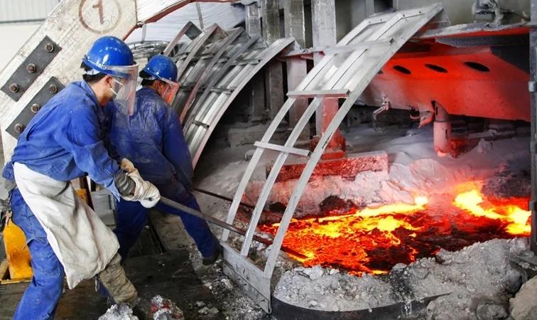 东兴铝业召开电解技术指标优化研讨会