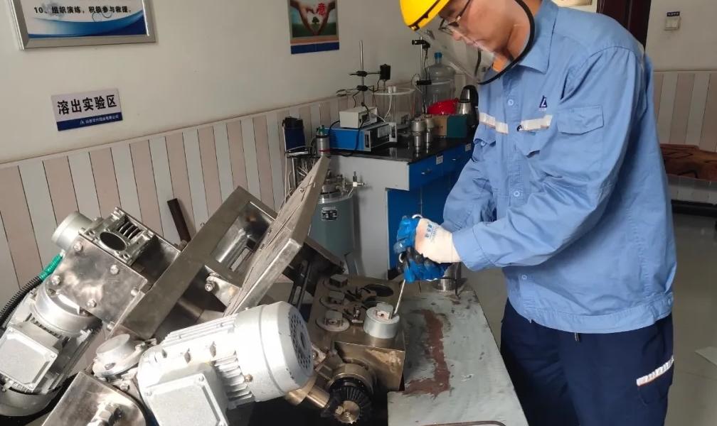 华兴铝业氧化铝生产部:积极开展多种矿石试验