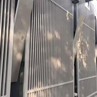 木纹色铝花格-墙面装饰铝花格